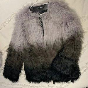 Beautiful faux fur ombré coat M